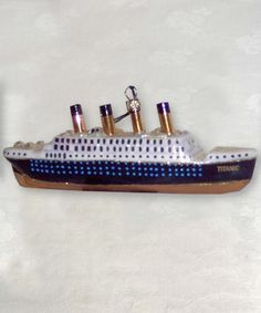 Titanic hand painted ship ornament - Titanic Museum Attraction in Branson, Missouri and Pigeon Forge, Tennessee