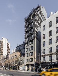 A Narrow House In New York City By Grzywinski + Pons – iGNANT.de appartementen verdichting gevel toren POLK