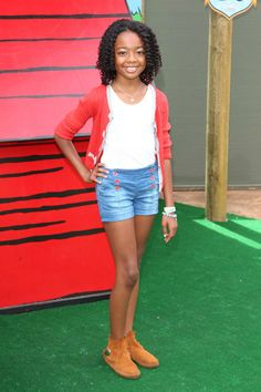 SKAI JACKSON HANGS WITH SNOOPY AND THE PEANUTS GANG