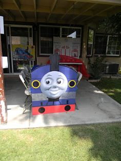 Birthday Parties: Thomas the train