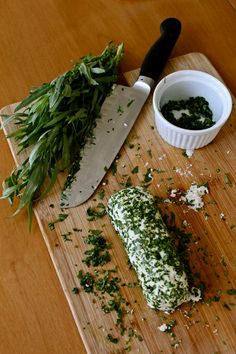 """Tarragon Macadamia """"Goat"""" Cheese from The holy kale"""