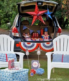 Fun Fireworks Tailgate ~ perfect way to celebrate your 4th of July! | #fourthofjuly #fireworks #tailgate party ideas from @AmysPartyIdeas | @Swoozies