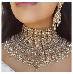 Antique Jewellery Designs, Fancy Jewellery, Indian Jewellery Design, Stylish Jewelry, Traditional Indian Jewellery, Pakistani Bridal Jewelry, Indian Bridal Jewelry Sets, Bridal Jewellery, Wedding Jewelry Sets