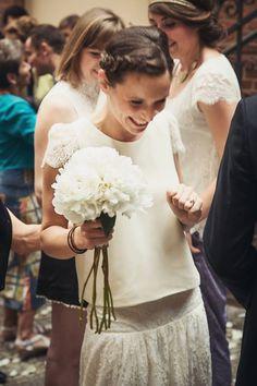 Bildergebnis für laure de sagazan second hand Fancy Wedding Dresses, Chic Wedding, Wedding Trends, Wedding Bride, Perfect Wedding, Wedding Styles, Wedding Gowns, Dream Wedding, Dress Alterations