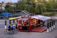 container restaurant - Buscar con Google Mobile Restaurant, Restaurant Plan, Shipping Container Restaurant, Shipping Container Homes, Shipping Containers, Container Shop, Cargo Container, Container Buildings, Layout
