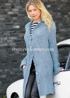 Голубое пальто из кос