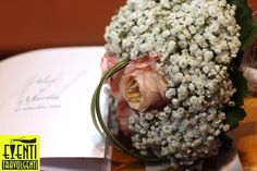 Rose rosa e gipsofila