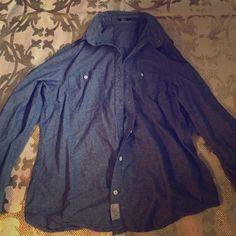 Silver jeans denim button up Silver jeans denim button up Silver Jeans Tops Button Down Shirts