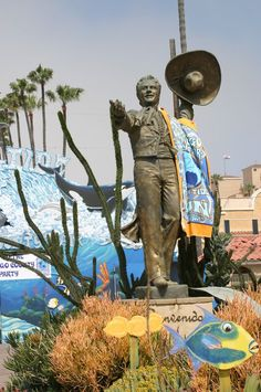"""Don Diego welcomes beach-lovers to the 2006 San Diego County Fair """"Ride the Tide to Fun!"""""""