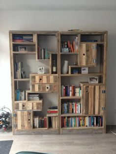 Boekenkast van steigerhout en pallethout