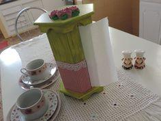 Lindo item para sua cozinha. Porta Papel Toalha em madeira, pintado a mão. Diversos modelos, peça o seu! R$ 50,00