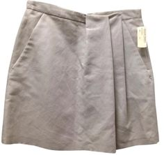 Brunello Cucinelli Beige Sz 42 S Skirt. Free shipping and guaranteed authenticity on Brunello Cucinelli Beige Sz 42 S Skirt at Tradesy. Brunello Cucinelli Skirt size 42 Italy  W 30 Len...