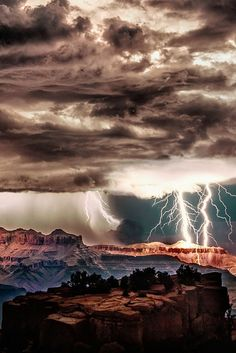 Lightning storm over Grand Canyon National Park, Arizona - Bing Wallpaper. Bing daily images are all in bing. Provides Bing daily wallpaper images gallery for several countries. All Nature, Science And Nature, Amazing Nature, Beautiful Sky, Beautiful World, Beautiful Places, Fuerza Natural, Cool Pictures, Cool Photos