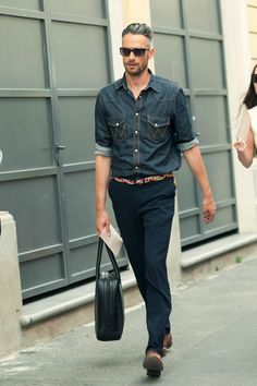 Less is always More - this look never gets old - color pop on the belt is great.