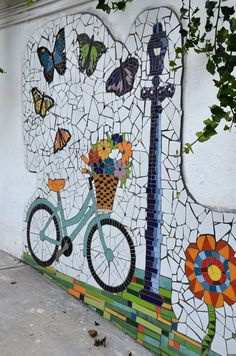 "Large feature art Mosaics you could create and won't look out of place in your own home or garden . Mural de mosaico: ""Primavera 2017 CDMX"" Medidas x m Detalle. Mosaic Garden Art, Mosaic Tile Art, Mosaic Artwork, Mosaic Crafts, Mosaic Projects, Mosaic Glass, Art Projects, Garden Mural, Mosaic Mirrors"