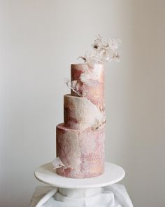 # 1 - ultimate in wedding cake inspiration, Tortik Annuchka creates art inspired designs including new sugary takes on famous artwork. There is nothing quite like a Tortik Annuchka wedding cake in the entire world! A post shared by Tortik Annushka… Amazing Wedding Cakes, Elegant Wedding Cakes, Wedding Cake Designs, Amazing Cakes, Unusual Wedding Cakes, Wedding Themes, Wedding Gowns, Pretty Cakes, Beautiful Cakes