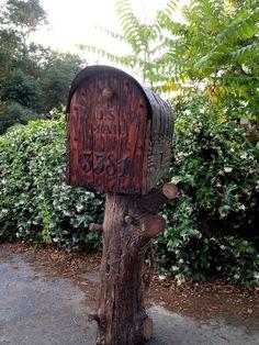 Diy Rustic Mailbox With Cedar Door Woodworking Western