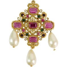 Pre-Owned Vintage Chanel Oversized Brooch ($1,399) ❤ liked on Polyvore featuring jewelry, brooches, chanel, pink, chanel broach, chanel jewelry, pre owned jewelry, beading jewelry and pearl brooch