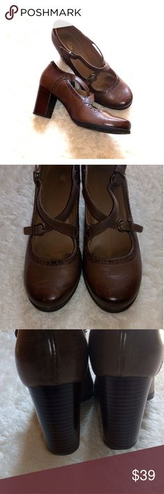 01d5cd24dec Clarks Shoes Clarks Artisan Mary Jane style pumps. They feature slightly  distressed brown leather