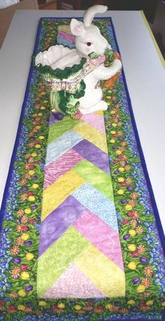 EasterTable Runner Floral Spring quilted Summer hand