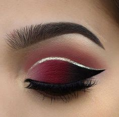 ▷ 1001 + ideas and inspiration on how to make up your eyes .-▷ 1001 + Ideen und Inspirationen, wie Sie Ihre Augen schminken make-up tips for green eyes, new year& makeup in dark red, golden eyeliner - Sexy Eye Makeup, Silver Eye Makeup, Prom Makeup, Wedding Makeup, Burgundy Makeup Look, Dark Makeup, Red And Black Eye Makeup, Burgundy Eyeshadow Looks, Maroon Makeup