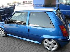 Renault 5 GT Turbo Blu Renault 5 Gt Turbo, Hatchbacks, Car Tools, Retro Cars, Cars And Motorcycles, Cool Cars, Mustang, Classic Cars, Sport
