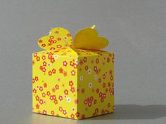 Eine Kleeblatt-Schachtel falten – auf ein Neues!