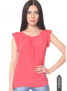 Meira Short Sleeve Round Nack Red Poly Crepe Top