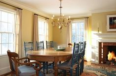 Check out this gorgeous Concord house, a short walk from the town common and across the street from where the first shots of the American Revolution were fired.