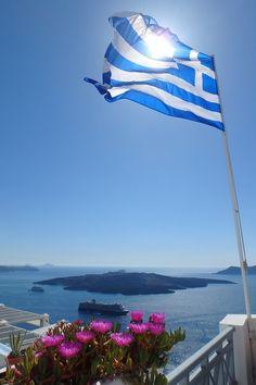Santorini Grecia, Greek Beauty, Imagines, Macedonia, Greek Islands, Athens, Beautiful World, Travel Photography, Beautiful Pictures