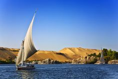 Browse Classic Egypt Tours Packages, Classic Tours to Egypt Pyramids, Cairo and Nile Cruise All Inclusive Luxor Aswan. Book Best Egypt Classic Tours Now Online. Luxor, Best Places To Travel, Places To Go, Nile River Cruise, Le Nil, Kairo, Cruise Holidays, Visit Egypt, Pyramids Of Giza