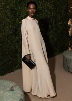 The best dressed at the CFDA/Vogue Fashion Fund Awards kept their style as fiercely personal and daring as the 10 finalists they were there to celebrate. Abaya Fashion, Vogue Fashion, Muslim Fashion, Modest Fashion, Fashion Outfits, Net Fashion, Trendy Dresses, Nice Dresses, Muslim Dress