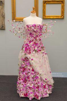 Orchid dress: Finding Inspiration at Chelsea Flower Show Chelsea Flower Show, Floral Fashion, Fashion Design, Fleur Design, Fairy Dress, Fantasy Dress, Flower Dresses, Costume Design, Dress Making