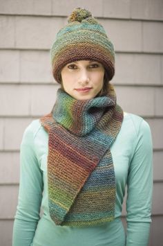 Follow this free knit pattern to create a striking hat and scarf using Lion Brand Amazing yarn. Knitting Patterns Free, Free Knitting, Loom Knitting, Hat Patterns, Knitting Ideas, Knitting Humor, Knitting Needles, Crochet Patterns, Knifty Knitter