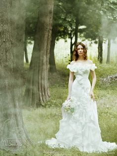 garden wedding dresses dearte  http://weddinginspirasi.com/2011/08/30/romantic-wedding-dresses-by-dearte/