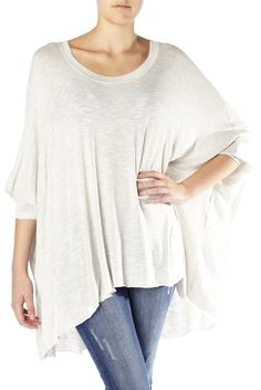 Made from a soft light knit fabric, this beautiful kimono top is a fabulous addition to your summer wardrobe.