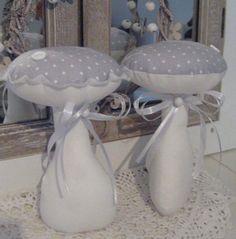 2 große Pilze in grau-weiß Herbst Deko*.Handarbeit *Landhaus *Tilda*Vintage  | eBay