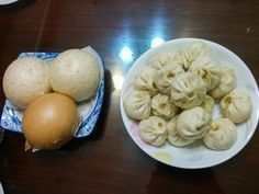 Taiwanese steamed and pork buns Beef Noodle Soup, Beef And Noodles, Pork Buns, Taiwan Travel, Tasty Bites, World Recipes, International Recipes, Fine Dining, Farmers Market