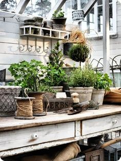 Potting Bench Ideas - Want to know how to build a potting bench? Our potting bench plan will give you a functional, beautiful garden potting bench in no time! Garden Cottage, Garden Pots, Home And Garden, Garden Sheds, Garden Benches, Garden Shed Interiors, Greenhouse Interiors, Garden Living, Garden Table