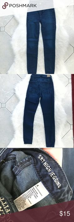 """AE Sky High Jegging AE Sky high skinny stretch jegging. Worn a handful of times but still have more wear to them. 27"""" waist and 27"""" inseam. American Eagle Outfitters Jeans Skinny"""