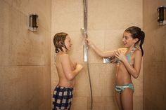 im #Urlaub mit Kindern können Sie sich richtig #entspannen, denn Ihre Kinder sind beschäftigt. im #Kinderkino, im #Kidsspa oder im #Kidsclub... Oder beim toben im #Pool des 1200 m² Wellnessbereichs im Hotel Sonnhof