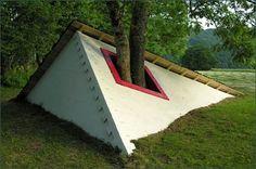 Gravity-Defying Land Art by Cornelia Konrads