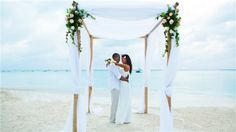 Thinking of planning a destination wedding? Our destination wedding guide has everything you need to plan your big day. Find the perfect wedding location and venue, and find expert destination wedding planning advice before you walk down the aisle. Aruba Weddings, Destination Weddings, Carribean Wedding, Beach Elopement, Kansas City Wedding, Perfect Wedding, Wedding Unique, Wedding Ideas, Wedding Themes