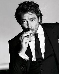 Javier Badem: The sexy version of Robert Downey Jr