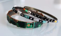 Remote control part jewelry 26 tech DIY projects for the nerd in all of us The Effective Pictures We Offer … Recycled Jewelry, Handmade Jewelry, Handmade Crafts, Computer Parts And Components, Modelista, Diy Schmuck, Cartier Love Bracelet, Diy Fashion, Runway Fashion
