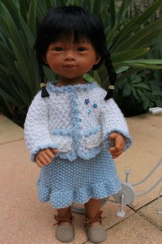 Marina et sa bicyclette + tuto gilet et jupe pour poupée Marietta.