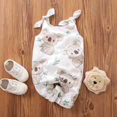 Baby Bowknot Decor Sleeveless Koala Bodysuit – Baby For look here Baby Outfits Newborn, Baby Boy Outfits, Kids Outfits, Vintage Baby Clothes, Clothing Tags, Girl Clothing, Baby Bloomers, Kids Branding, Matching Family Outfits