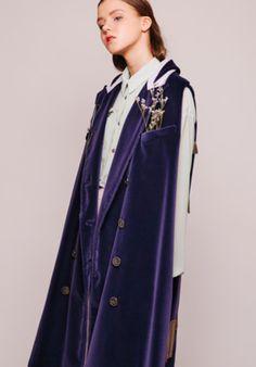 Enric Marti - BCN Marti, Duster Coat, Editorial, Raincoat, Breakfast, Jackets, Fashion, Rain Jacket, Morning Coffee