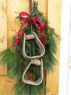 Western Christmas Wreaths - COWGIRL Magazine | 1000 Cowboy Christmas, Christmas Swags, Primitive Christmas, Country Christmas, Holiday Wreaths, Winter Christmas, Burlap Christmas, Primitive Crafts, Cabin Christmas