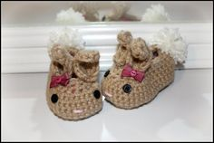 Crochet tan girl bunny slippers with bows, baby slippers, girl gift, photo prop, Easter slippers, baby shower gift, baby's first christmas on Etsy, $23.00